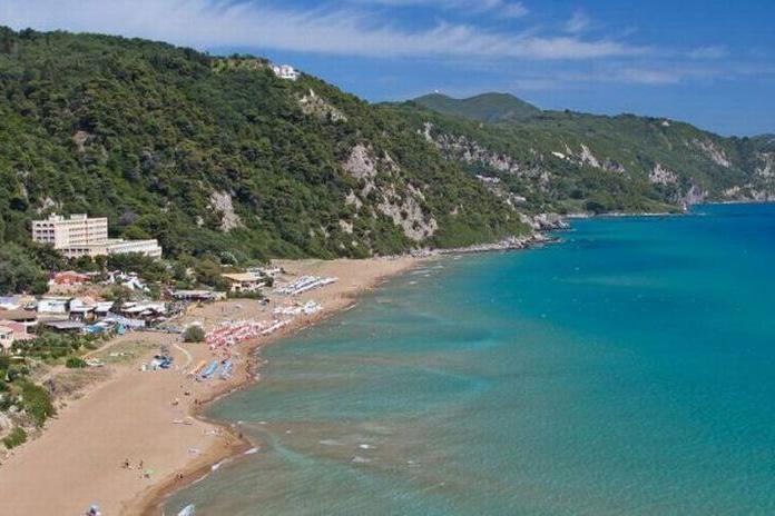 jimmys pelekas popular beaches corfu glifada beach 2